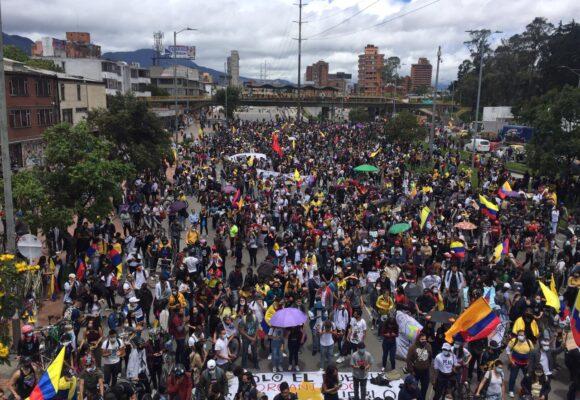15M: un sábado de multitudinarias marchas en Colombia y casi todas pacíficas