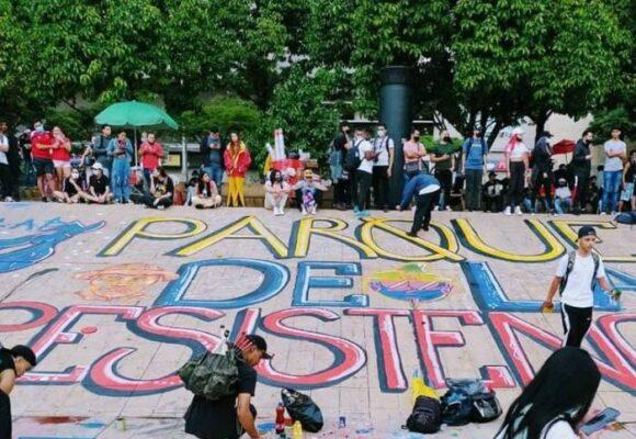 En Medellín, el Parque de los Deseos se convirtió en el de la Resistencia