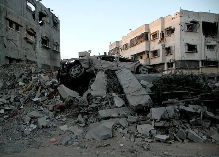 Una mortaja de fuego sobre el cadáver de Gaza