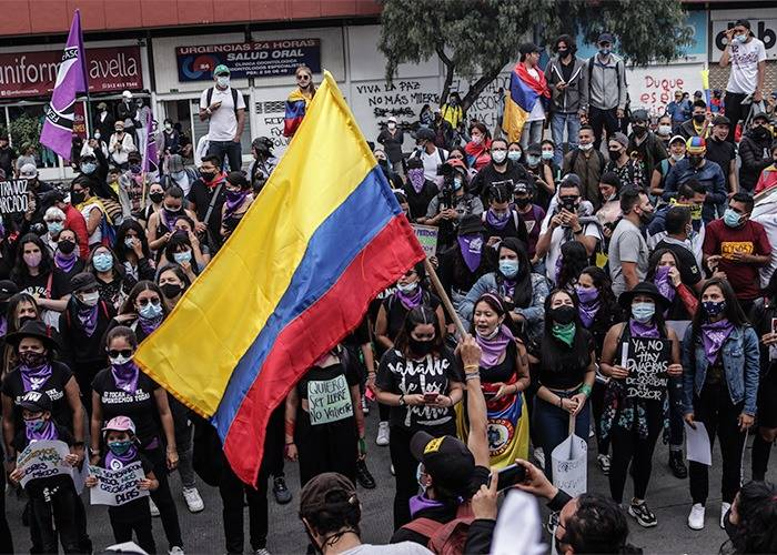Una juventud en crisis, una juventud en las calles luchando