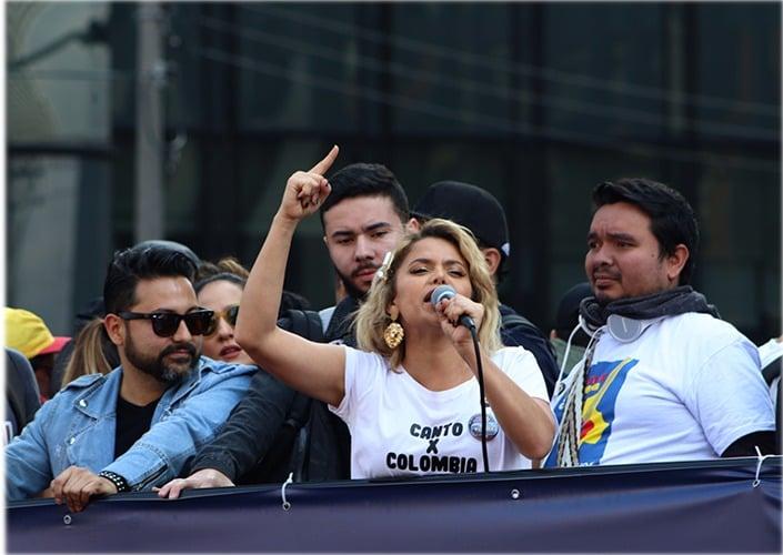 Adriana Lucía, la única cantante a la que le duele Colombia