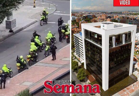 Decenas de policias custodian el edificio de la Revista Semana