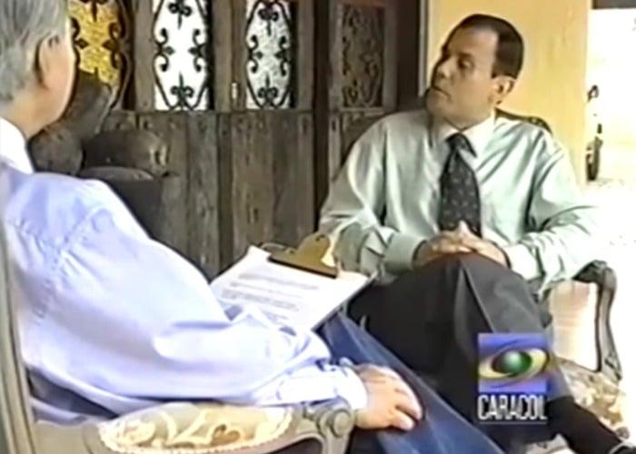 Cuando RCN y Caracol nos vendieron a Carlos Castaño como un colombiano de bien