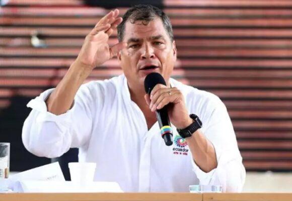 Un tribunal de Ecuador solicita la extradición contra el expresidente Correa
