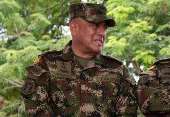 Navarro, el general al frente de la tropa que está en las calles de Cali