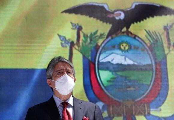 Lasso asume la presidencia de Ecuador en plena crisis económica, social y sanitaria