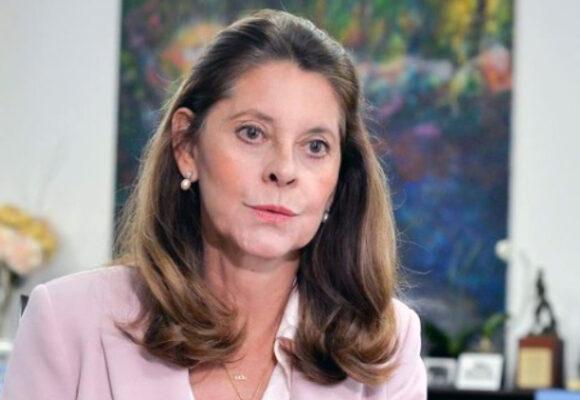 #PelandoElCobre: ¿tía Martuchis canciller?
