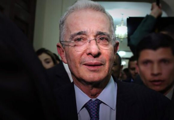 Carta abierta y desde el alma a Álvaro Uribe Vélez