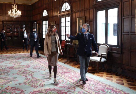 La aterrizada de Marta Lucia Ramírez en el Palacio de San Carlos