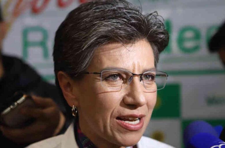 Claudia López vuelve a tratar como una basura a un periodista