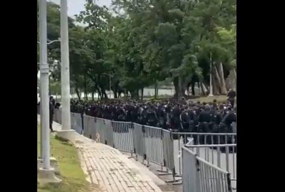 La policia convierte al Metropolitano en una fortaleza contra los manifestantes