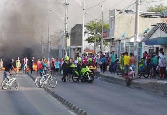 Mientras el país veía el partido, el ESMAD atacaba a la prensa en Barranquilla
