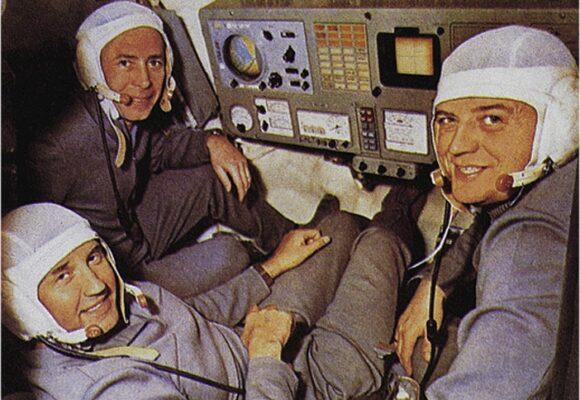 Los astronautas que fueron condenados a morir en el espacio