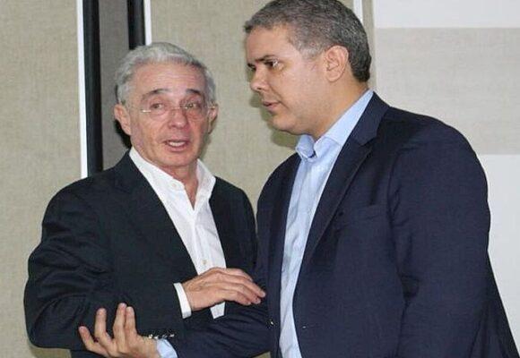 La moñona de Uribe