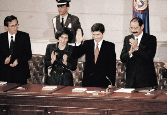 Los treinta años de la constitución