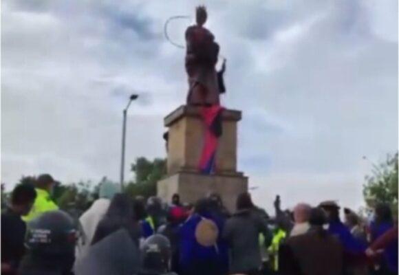 Las dos estatuas con las que no pudieron los Misak
