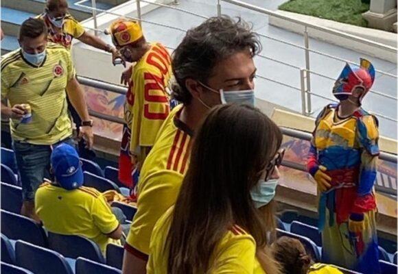 Los paisas le pagaron a Quintero el viaje para ver la Selección