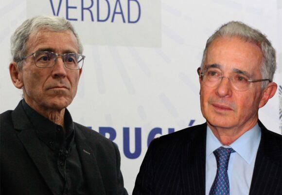 Uribe se confiesa con Vicky Dávila y no con el Padre de Roux en la Comisión de la Verdad