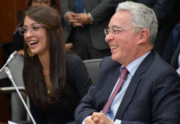Una llanera novata respaldada por Uribe se perfila para la presidencia de la Cámara