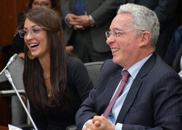Una llanera novata respaldada por Uribe se perfila para la presidencia de  la Cámara - Las2orillas