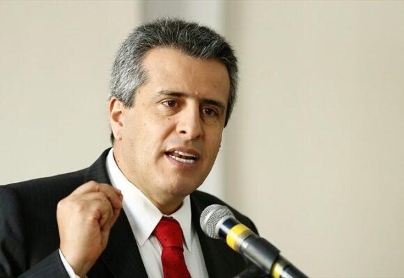 Luis Fernando Velasco, el senador Liberal que estuvo injustamente en la cárcel y ahora quiere ser presidente