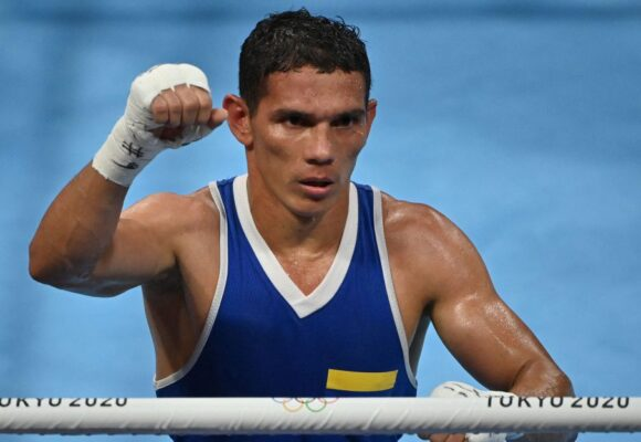 Victoria de Ceiber Ávila, el boxeador de Turbo que se escondía de los paracos para que no lo mataran