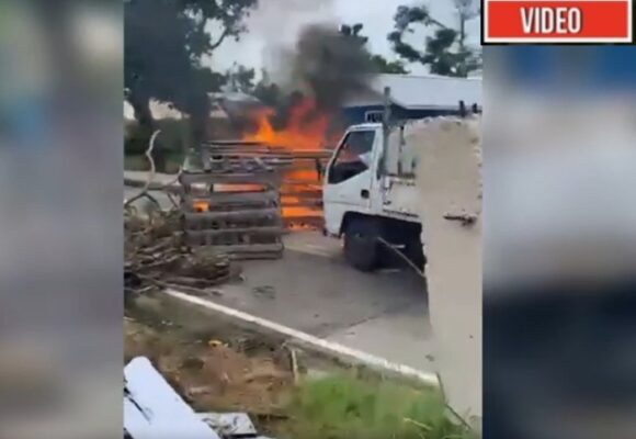 Protesta y bloqueos en Providencia por incumplimientos del gobierno