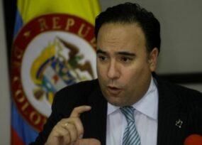Tarea urgente del embajador Plata en España: desbloquear entrada de colombianos
