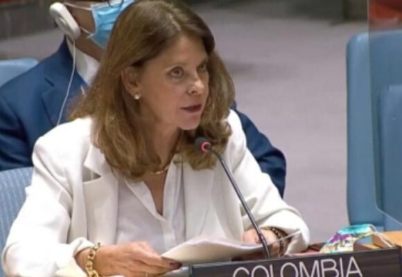 Martha Lucia Ramírez culpa al vandalismo de la muerte en protestas