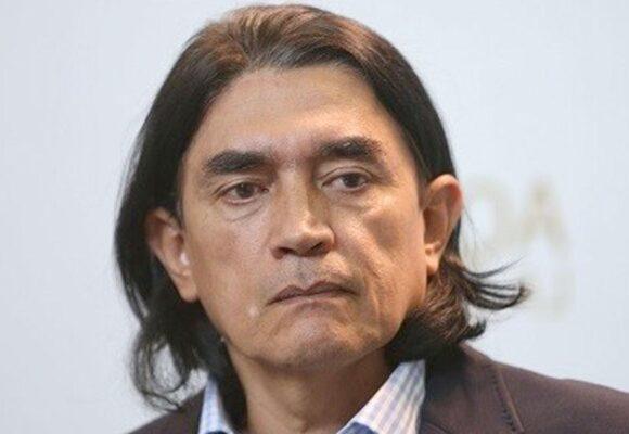 Gustavo Bolívar sale en defensa de Juanes