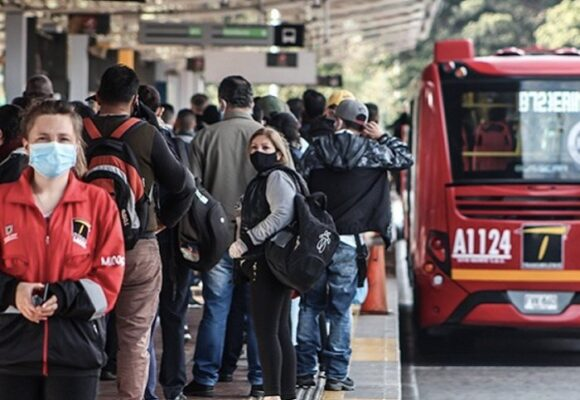 La vacunación viento en popa: se abre para colombianos entre 30 y 35 años