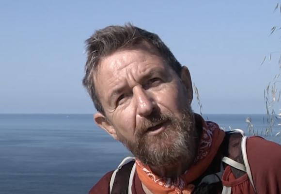 Video: El regreso a su país de un paciente con Covid