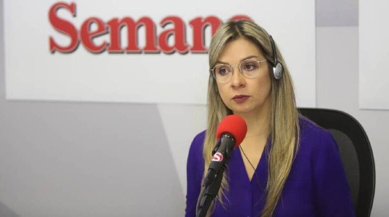 Encendida defensa de Vicky Dávila a Salud Hernandez