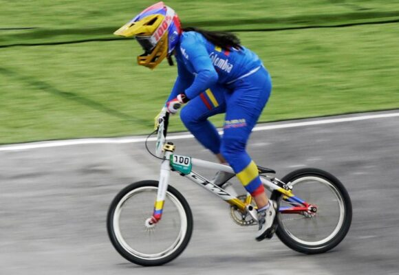 El agua retrasa el BMX en donde Mariana Pajón no es favorita
