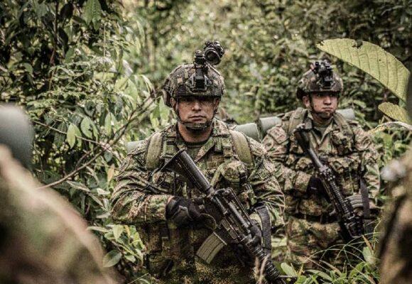 La dignidad de las fuerzas militares en medio de la anarquía reinante