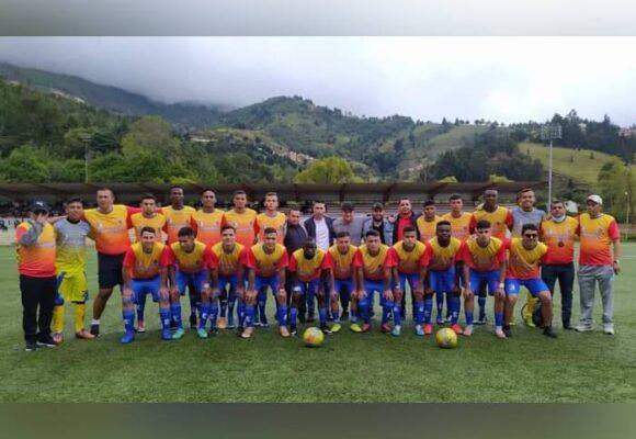 Fútbol de Primera C a Pamplona, de la mano de Leandro Castellanos