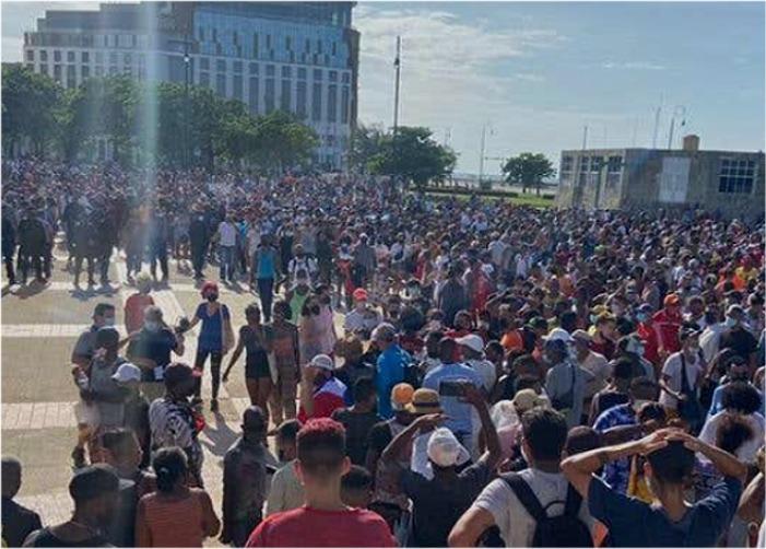 Se cansaron: miles de cubanos salen a las calles a protestar