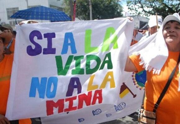 El silencioso tren bala de la dictadura mineroenergética