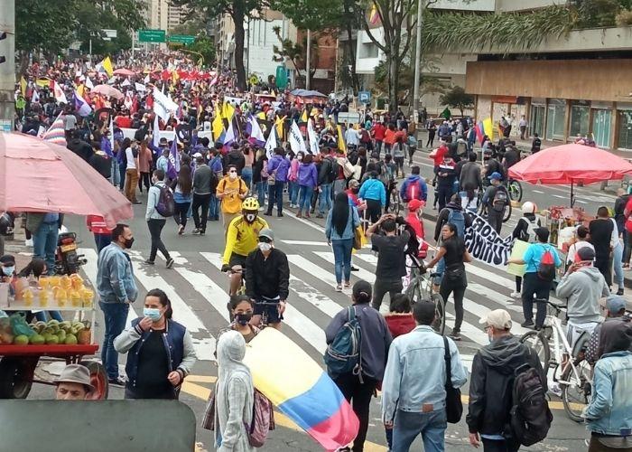 Las calles de Bogotá empiezan a llenarse de manifestantes