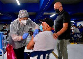 Christian Daes se apersona de la vacunación de sus más de 8 mil empleados de Tecnoglass