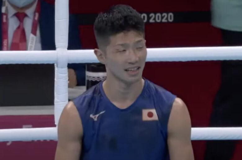 Video: En silla de ruedas salió el boxeador japonés que le ganó a Yuberjen