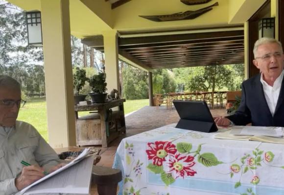 Uribe le habla al padre Francisco de Roux: La Comisión de la Verdad es ilegítima