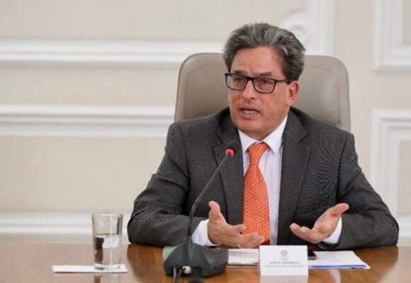 Alberto Carrasquilla reaparece: es el nuevo codirector del Banco de la República
