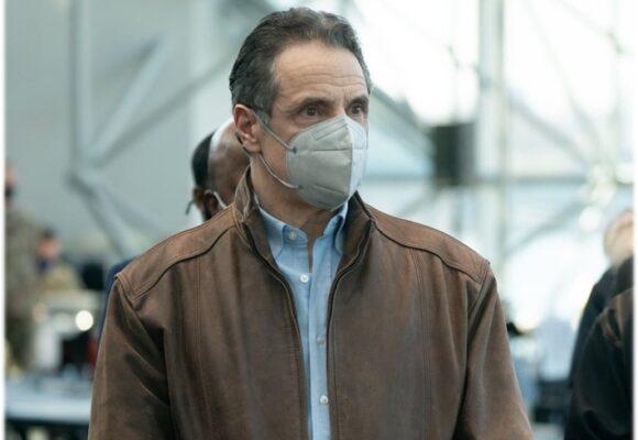 El gobernador de Nueva York sería expulsado del cargo si no renuncia