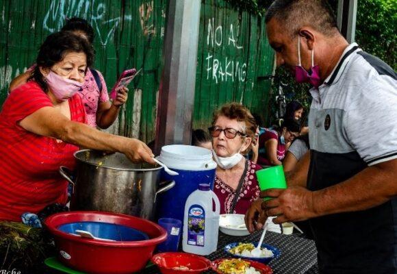 ¡Que rico sabe la resistencia! El apoyo de las ollas comunitarias para los barrios en Cali