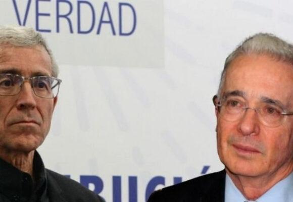Uribe ante De Roux