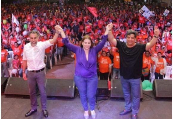 La mano de la U en la manifestación de Petro en Barranquilla
