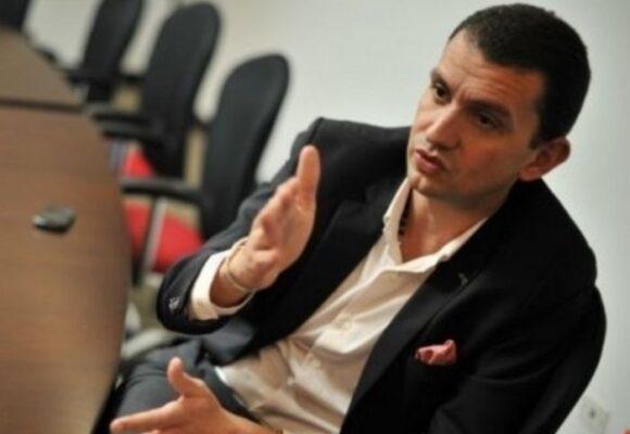 Emilio Tapia prende ventilador: echará al agua a congresistas implicados en escándalo de Centros Poblados