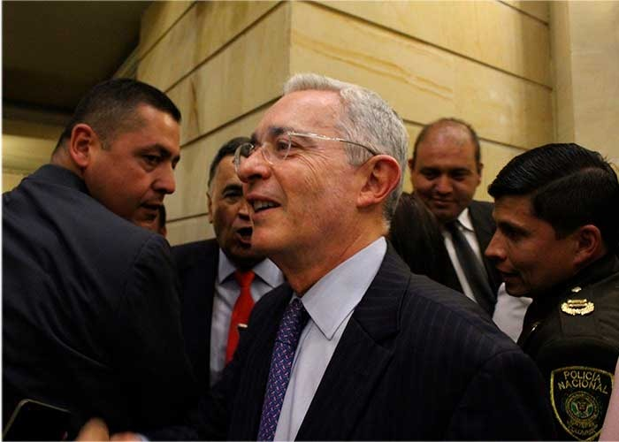 Una charla con Alvaro Uribe: el premio que promueve el Centro Democrático