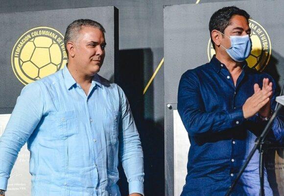 La lambonería de la Federación Colombiana de Fútbol con el presidente Duque